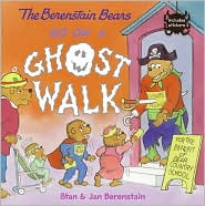 The Berenstain Bears Go on a Ghost Walk (Paperback)