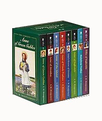 "<font title=""Anne of Green Gables, Complete 8-Book Box Set (Mass Market Paperback:8권)"">Anne of Green Gables, Complete 8-Book Bo...</font>"