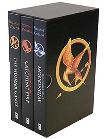 "<font title=""The Hunger Games Trilogy Boxset (Paperback: 3/ 미국판)"">The Hunger Games Trilogy Boxset (Paperba...</font>"