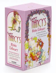 Fancy Nancy Petite Library Box Set (Hardcover:4)