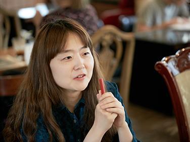 """젊은작가상 대상 김금희 """"독자 위치에서 삶의 의미 전~"""
