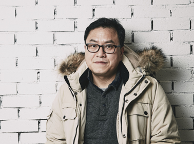 """'돌아온 하드코어' 소설가 백민석 """"위로보단 충격~"""