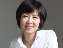 소설가 <김별아>의 서가