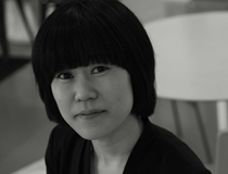 소설가 <김애란>의 서가