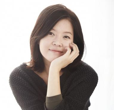 배우 <김여진>의 서가