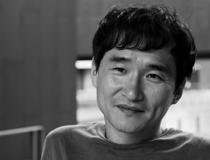 소설가 <김연수>의 서가