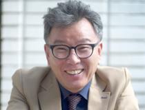 미술평론가 <손철주>의 서가